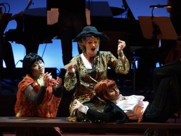 """""""Die Stumme Serenade"""" in a modern production in Munich."""