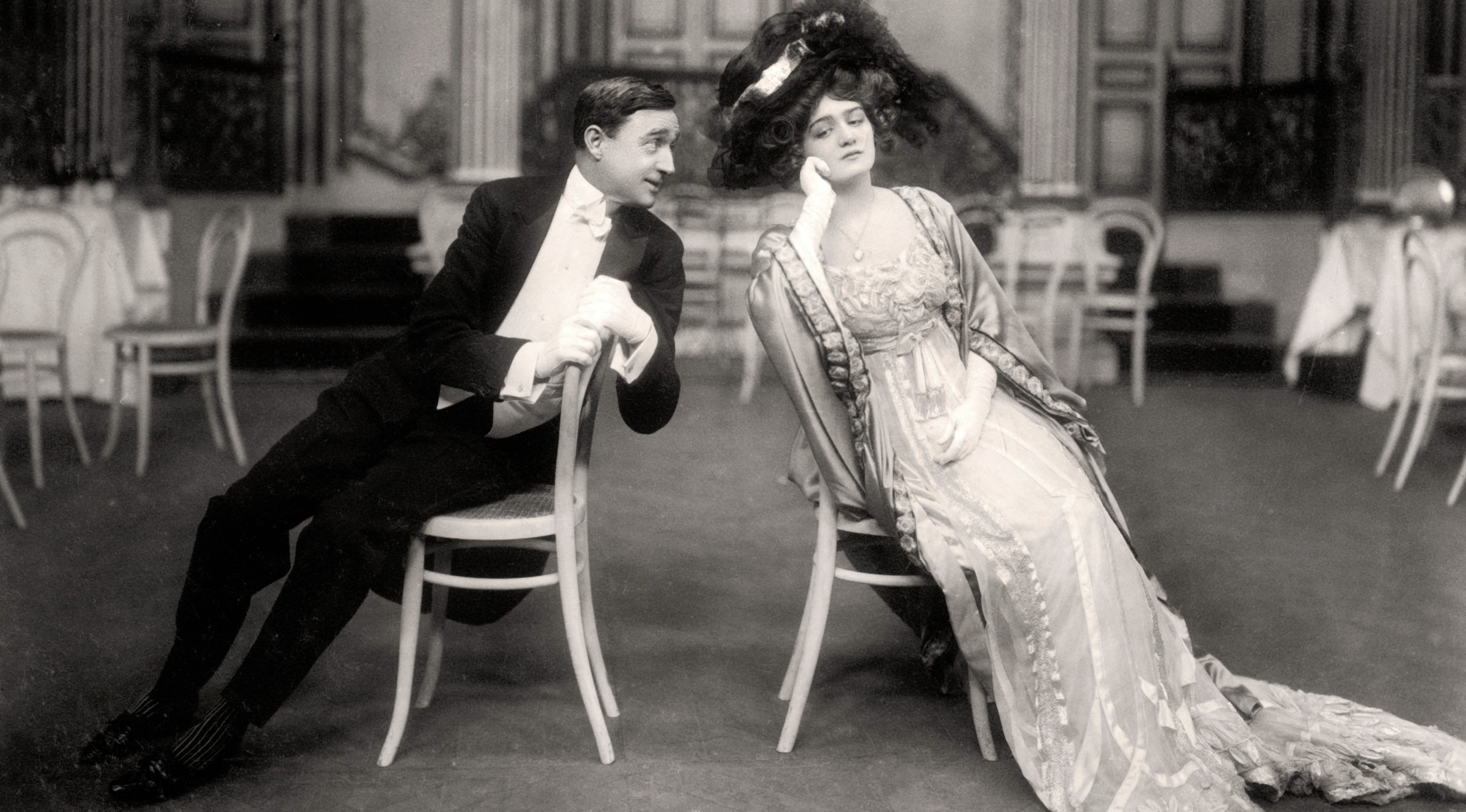 "Lily Elsie and Joseph Coyne in 'The Merry Widow', 1907. Elsie and Coyne are playing the parts of 'Sonia' and 'Prince Danilo' respectively.  Credit: The Print Collector / HIP /TopFoto *** Local Caption *** ""Lily Elsie and Joseph Coyne in 'The Merry Widow', 1907."""