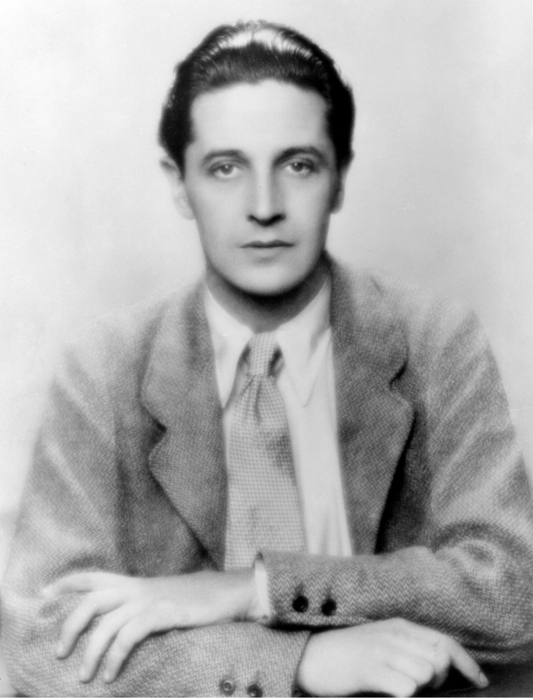 A dashing looking young Ivor Novello in a typical publicity shot.