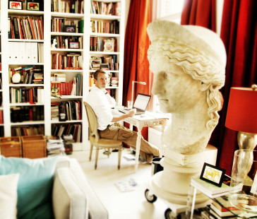 Kevin Clarke at his desk, in the Amsterdam office of the Operetta Research Center.