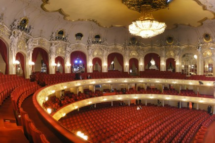 Flying Down To Berlin: For the First Operetta Festival At The Komische Oper