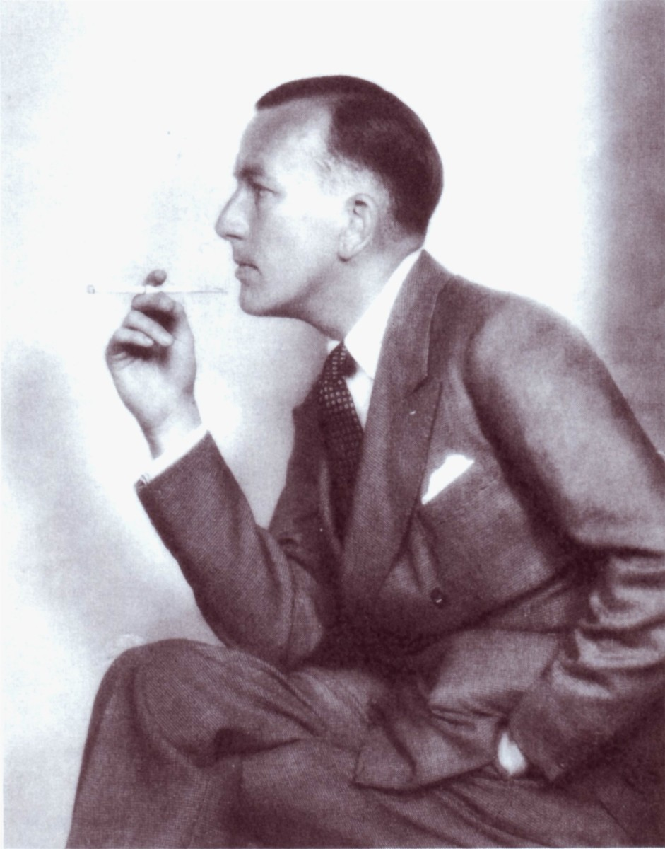 Actor and author Noël Coward, in the 1930s.