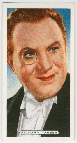 Richard Tauber in a 1920s cigarette ad.