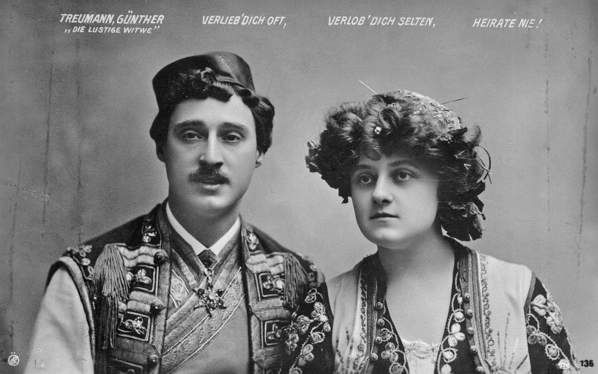 "The original Viennese starts of ""Die lustige Witwe"", Mizzi Günther and Louis Treumann."