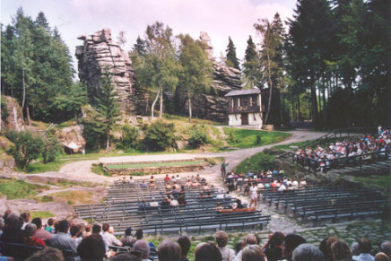 "Breathtaking Spectacle: ""Gasparone"" at the Naturtheater Greifensteine"