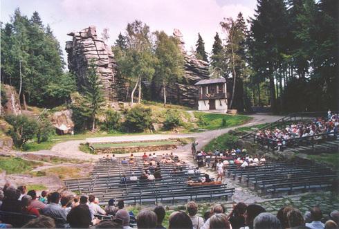 The impressive stage of the Naturtheater Greifensteine.