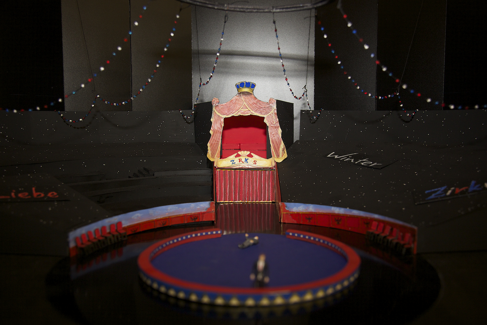 A model of the 2014 stage set by Rainer Sinell. (Photo: Christian Zach/Theater am Gärtnerplatz Presse)