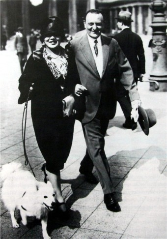 Benatzky and his first (also Jewish) wife Josma Selim in Berlin, in the 1920s. (Photo: Archive of the Operetta Research Center.)