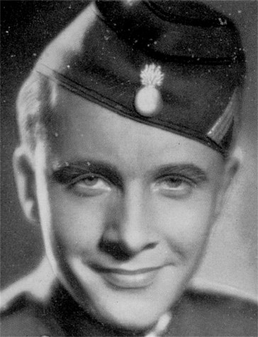 The young actor Erik Ode in uniform.