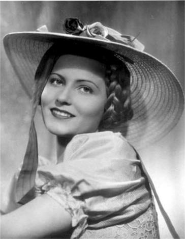 Winnie Markus as an operetta heroine.