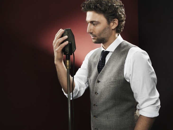 "Make love to the micorphone, the rule no. 1 of any great operetta recording artist: PR shot for Jonas Kaufmann's ""Du bist die welt für mich."" (Photo: Gregor Hohenberg/Sony Classical)"