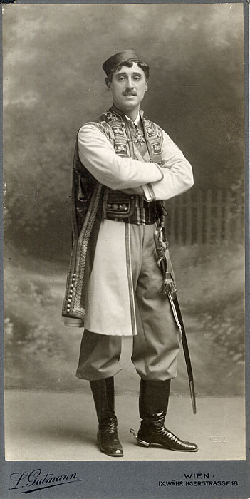 "One of operetta history's first (and most famous) ""wet dream leading men"": Louis Treumann as Danilo, 1905."