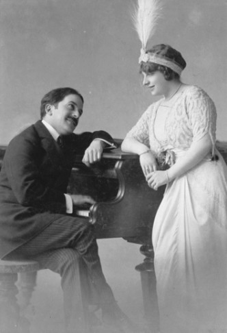 Bruno Granichstaedten together with singer Betty Fischer in 1915. (Photo: Archive Ernst Kaufmann)