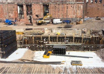 The below-the-stage area under construction. (Photo: Staatsoperette Dresden)