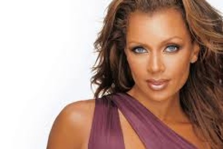 """Vanessa Williams and Julian Ovenden Star In New York's New """"Show Boat"""""""