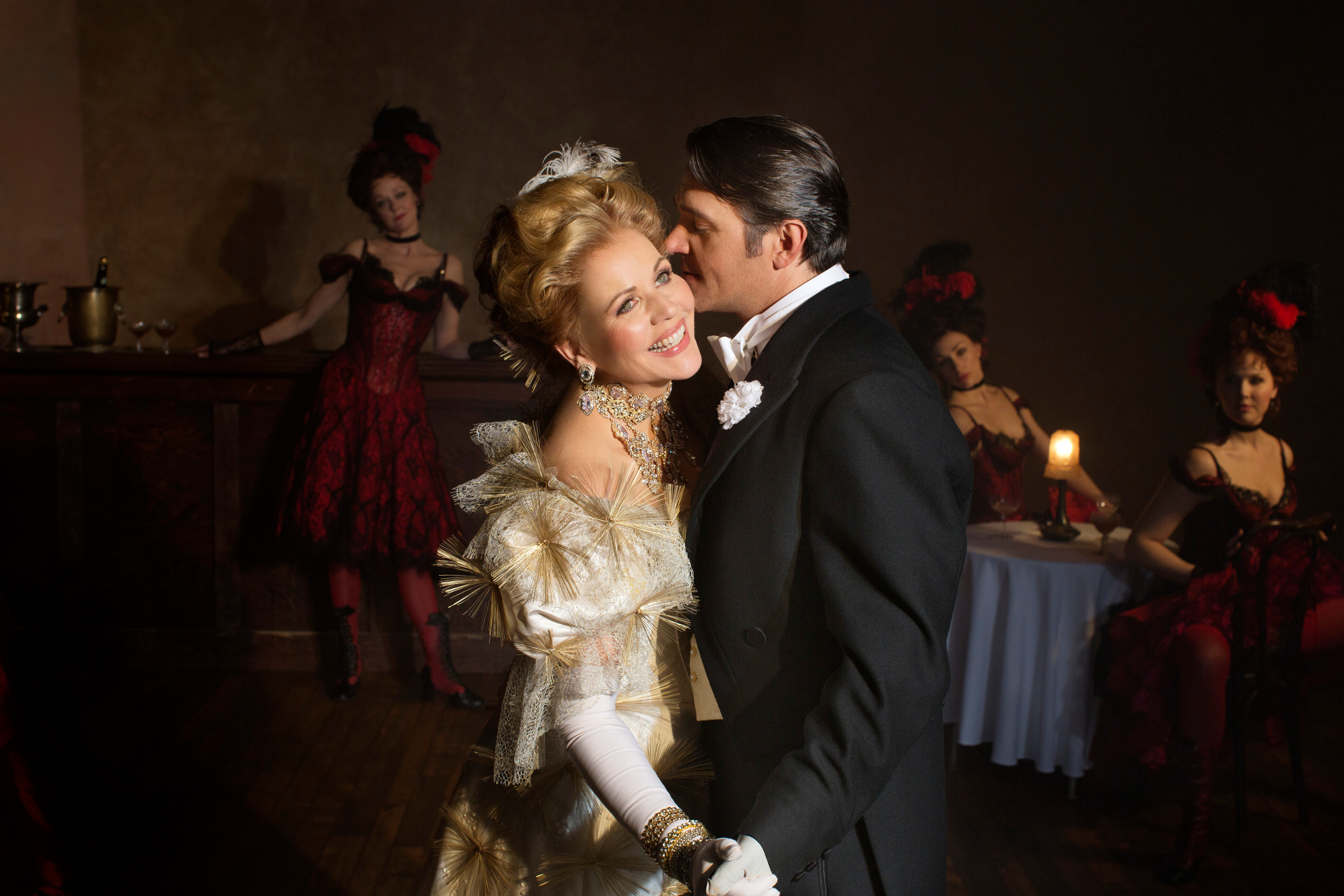 "Renée Fleming and  Nathan Gunn in the MET's ""Merry Widow."" (Photo: Brigitte Lacombe/Metropolitan Opera)"