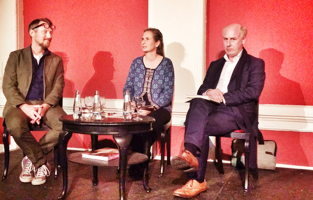 Pre-performance discussion in Stendal, with Aud Merkel (liddle), Boris Priebe (right) and ORCA'S Kevin Clarke.