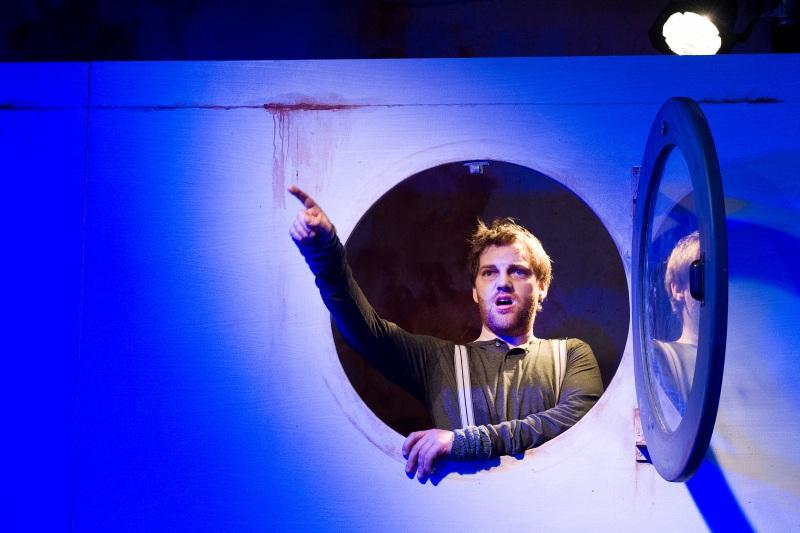 "Scene from the ""Novecento"" production in Plauen/Zwickau. (Photo: Theater Plauen)"