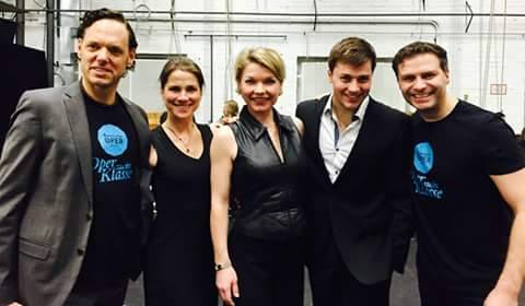 Christian Miebach together with the other coaches, backstage at the Komische Oper. They too are former students of the UdK. (Photo: Private)