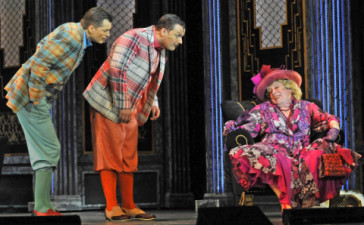 "The older detective tells his young colleagues that he intends to explore a romance with a gondolier in ""Me and My Little Brother"" at the Budapest Operettszínház."