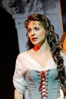 """Simone Rikman in """"Eine Nacht in Venedig."""" (Photo: Theater St. Gallen)"""