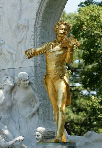 "The ""golden"" Johann Strauss statue in the Vienna Stadtpark. (Photo: Wikipedia)"