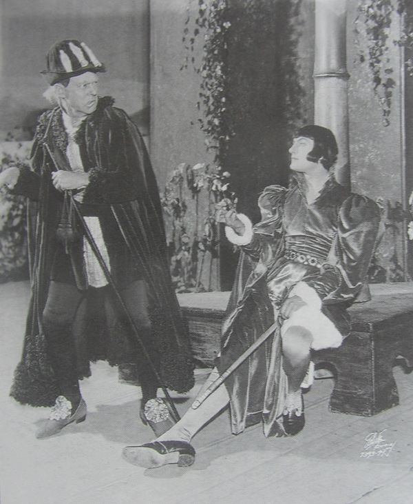"Dennis Kings playing the beggar-poet Francois Villon in Friml's ""The Vagabond King."" From Ethan Mordden's ""Anything Goes."" (Oxford University Press)"