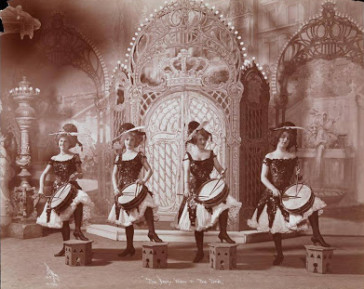 "A scene from Weber's Burlesque ""The Merry Widow and the Devil,"" 1909. (Photo: Museum of the City of New York)"