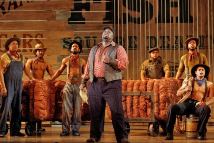 "A Live-Stage ""Show Boat"" On DVD: For The First Time?"