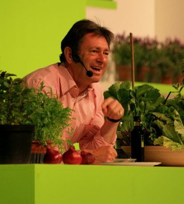 Alan Titchmarsh at the 2008 Gardeners' World Live Exhibition in the NEC. (Photo: Wikipedia)