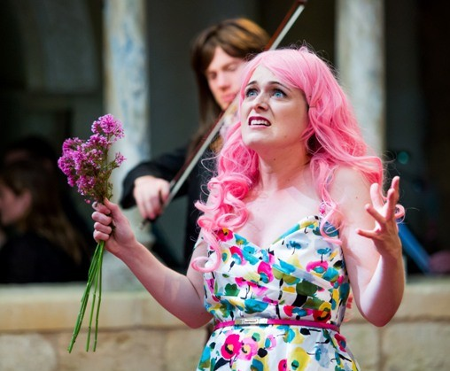 Suzanne Shakespeare as the extravagantly trilling Euridice. (Photo: OdL)