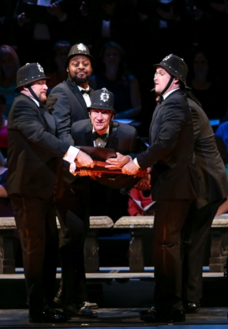 "David Garrison (center) in ""The Pirates of Penzance,"" Master Voices 2015. (Photo: Erin Baiano)"