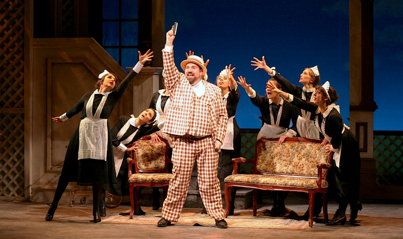 "Adam Shapiro (Kalmen) and Company in ""The Golden Bride."" (Photo: Ben Moody)"