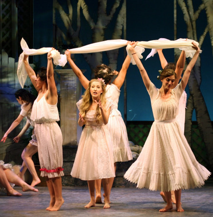 """""""The Golden Bride"""" At The National Yiddish Theatre Folksbiene"""