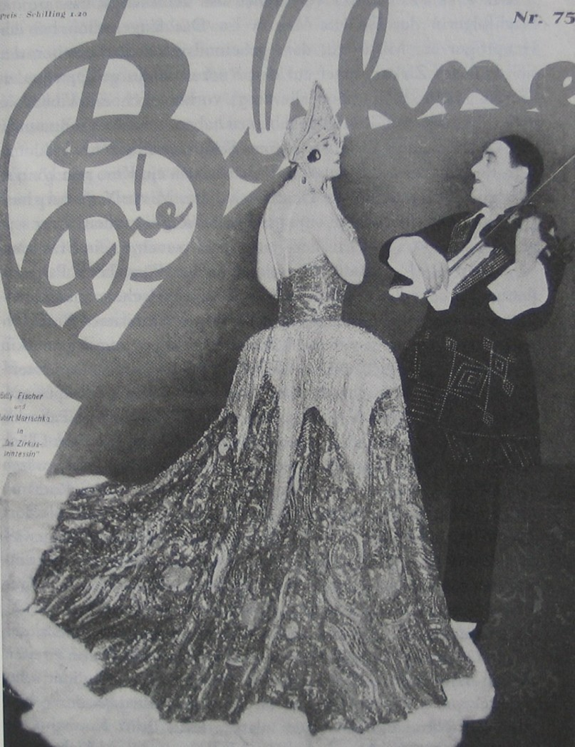 """Front page of the magazine """"Die Bühne"""" showing Betty Fischer and Hubert Marischka in their """"Zirkusprinzessin"""" costumes, 1926."""