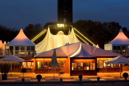 "The Talk Of The Town: ""Frau Luna"" At The Tipi In Berlin"