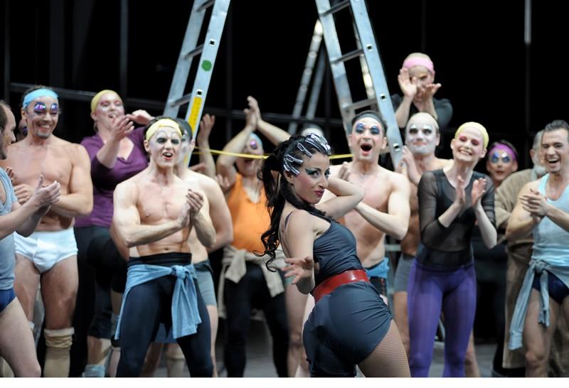 "Sigalit Feig as Lois Lane in ""Kiss Me, Kate"" at the Komische Oper Berlin. (Photo: Monika Ritterhaus)"