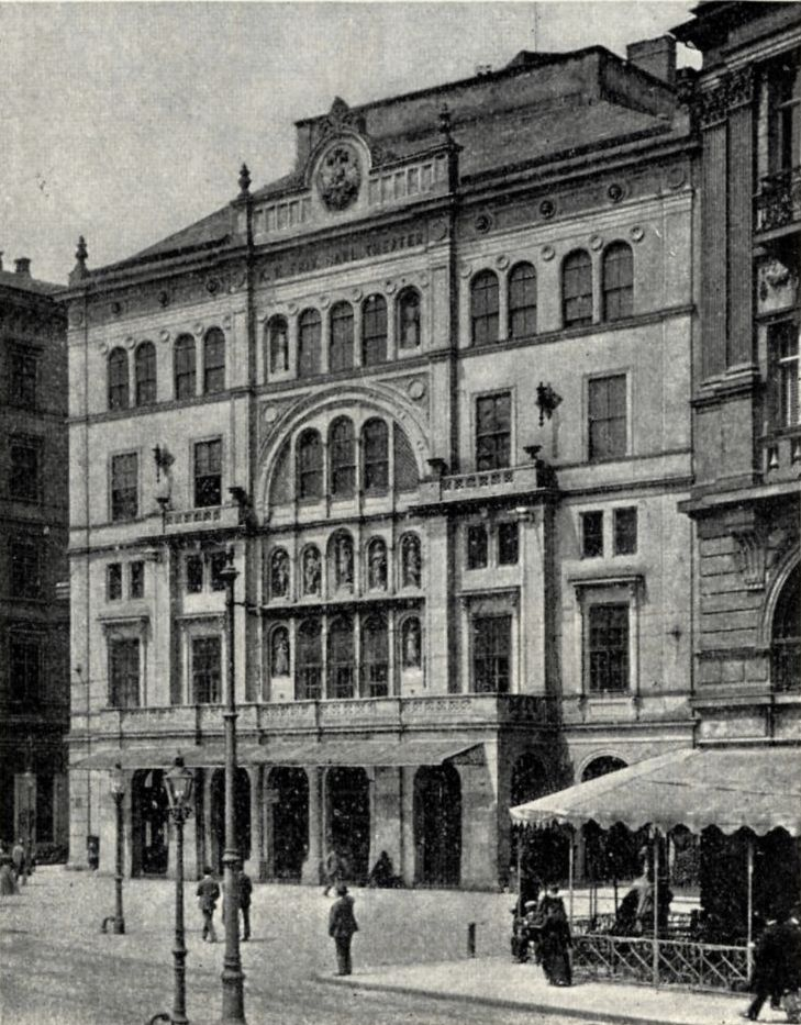 The Carl-Theater in Vienna at the turn of the century.