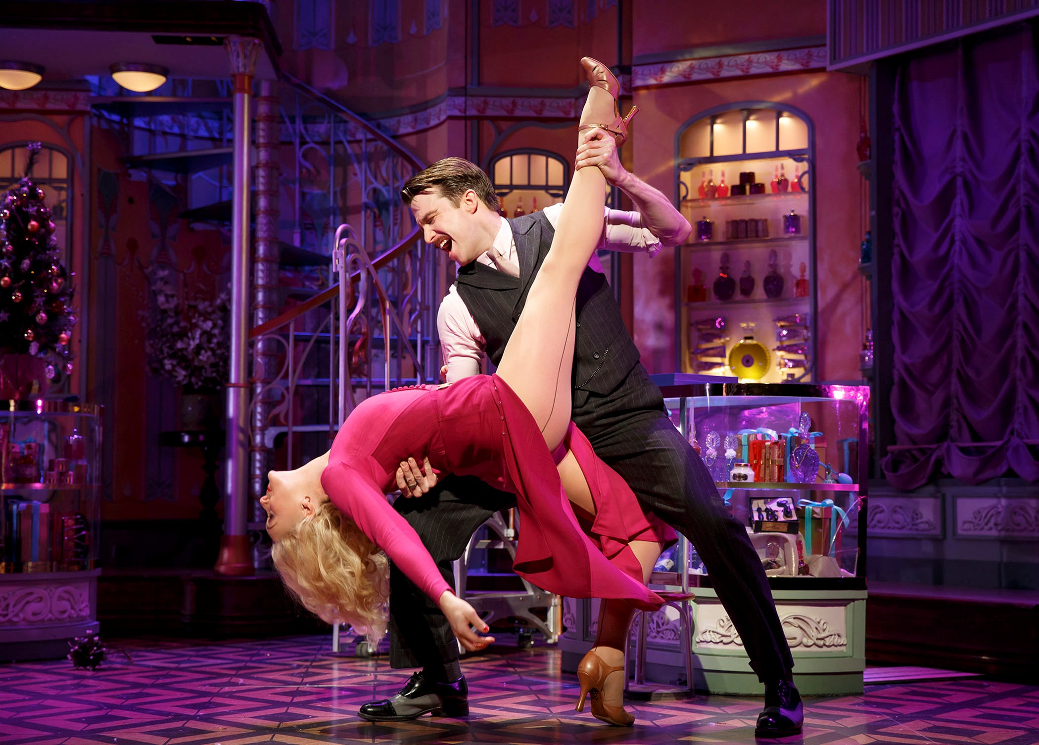 "Gavin Creel and Jane Krakowski perfoming  ""lona"" in ""She Loves Me."" (Photo: Joan Marcus)"