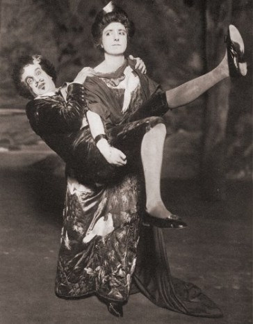 "Lady Jane and Bunthorne in a 1919 production of ""Patience."""