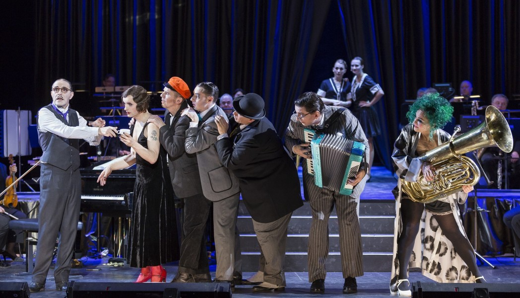 "The entire cast of ""Heute Nacht oder nie"". (Photo: robert-recker.de)"