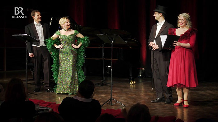 "The soloists of ""Männe, hak' mir mal die Taille auf"" in a concert in Munich. (Photo: Bayerischer Rundfunk)"
