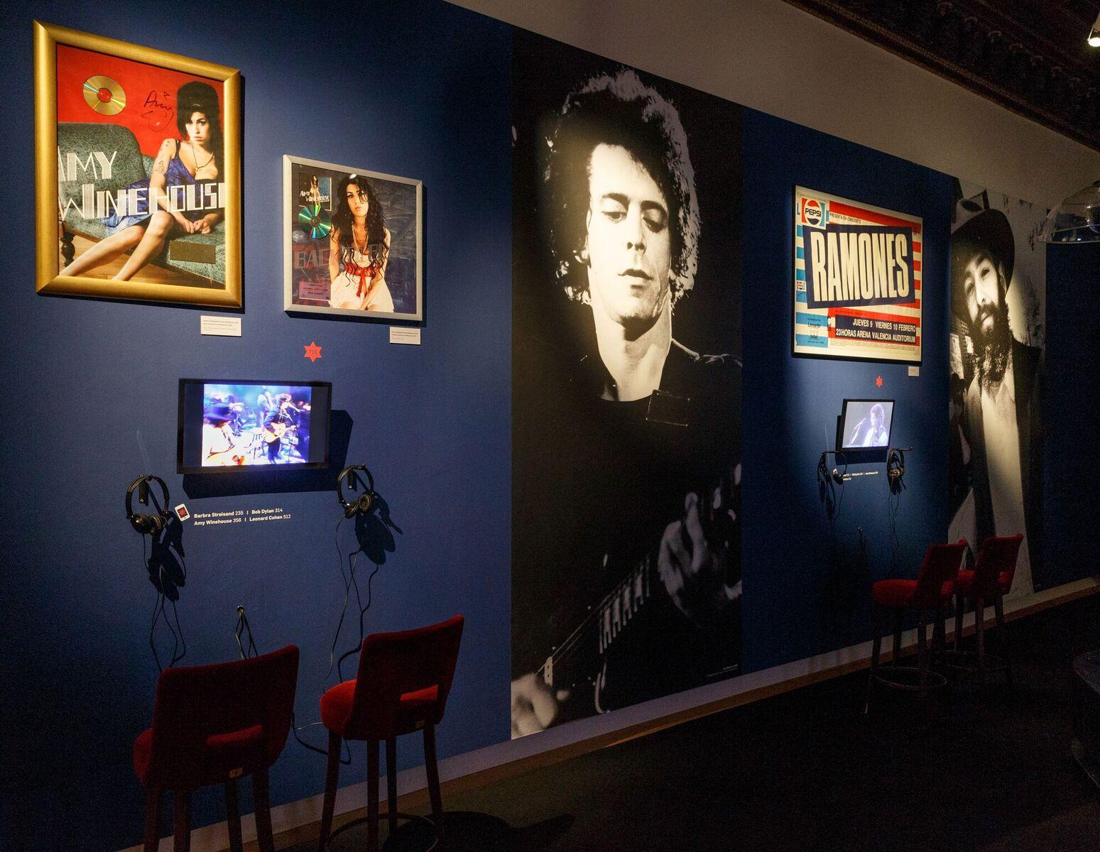 "Amy Winehouse meets operetta: View of the exhibition ""Stars of David."" (Photo: Jüdisches Museum Wien/Stalzer & Partner GmbH)"