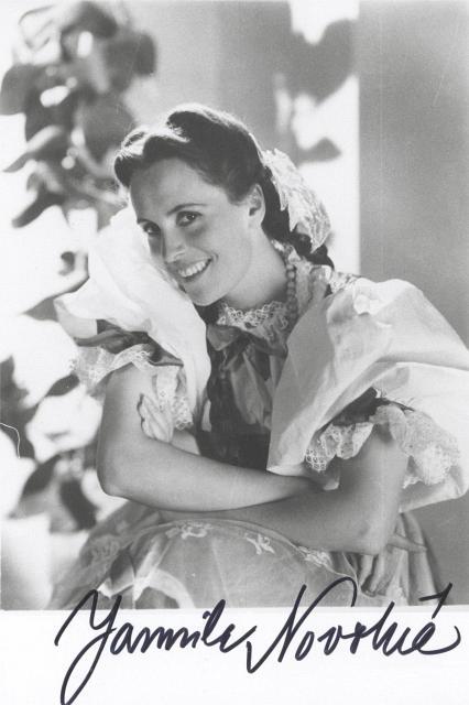 Soprano Jarmila Novotna in 1935.