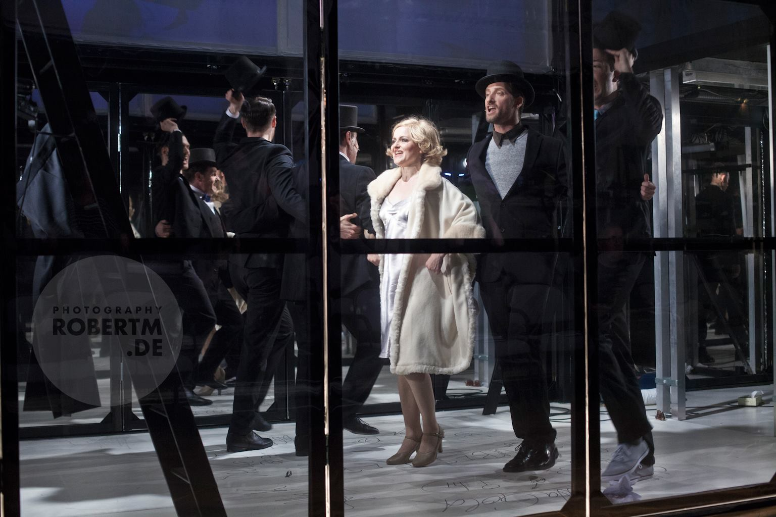 "Scene from ""Stella"" at the Neuköllner Oper. (Photo: Robert M)"
