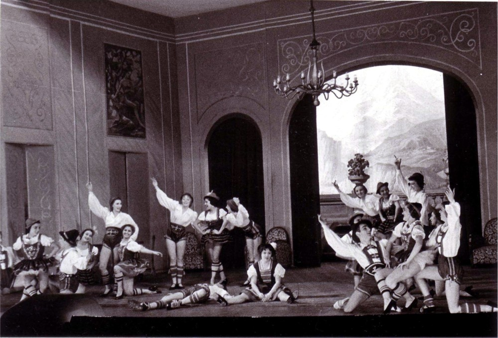"Scene from Kattnigg's ""Balkanliebe."" (Photo: Archive of the Operetta Research Center)"