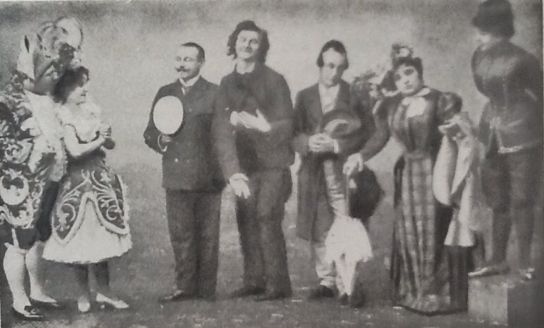 "The ""Luna"" cast in 1899, with Edmund Löwe (center) replacing Robert Steidl als Steppke."