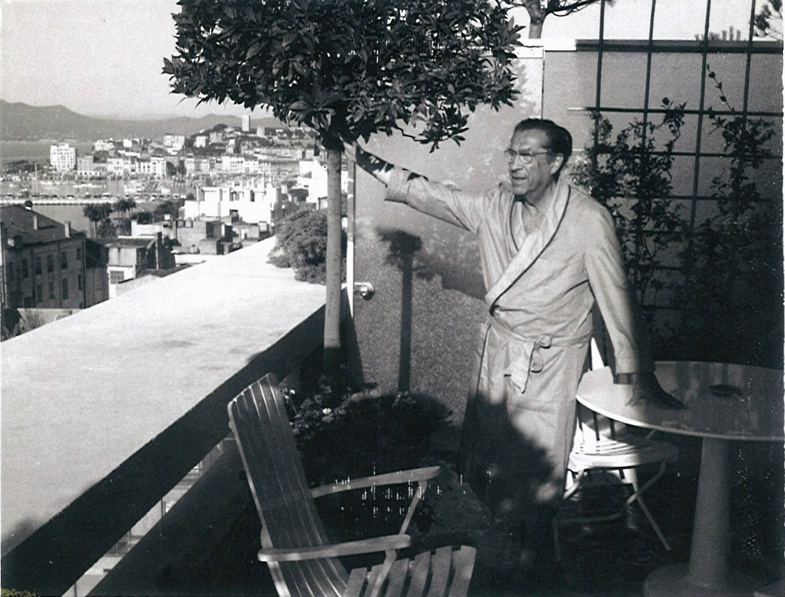 Erik Charell at the Cannes film festival, in the 1950s. (Photo: Archiv of the Operetta Research Center)