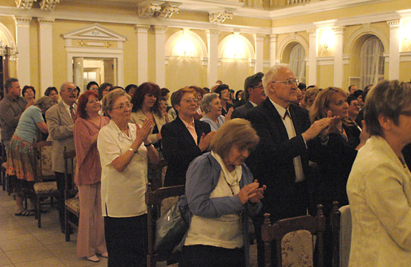 The audience in Komárno, at the International Operetta Singing Competition of Franz Lehár.