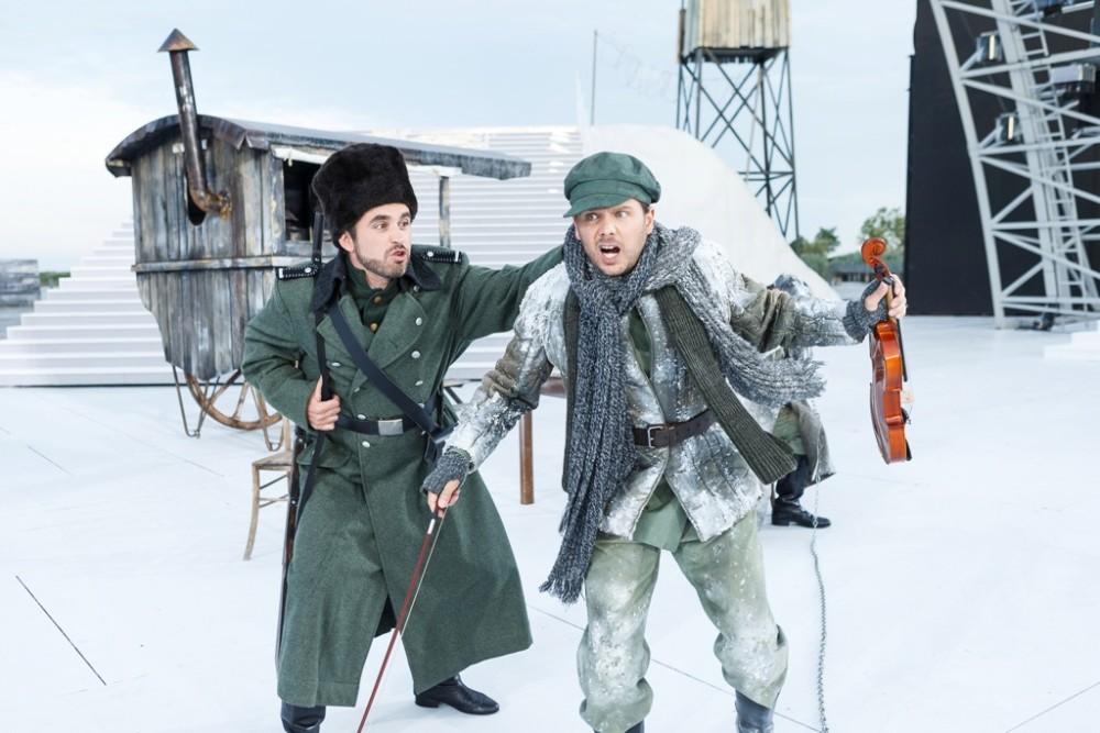 """The prelude set in Sibiria of """"Viktoria und ihr Husar."""" (Photo: Seefestspiele Mörbisch / Jerzy Bin)"""